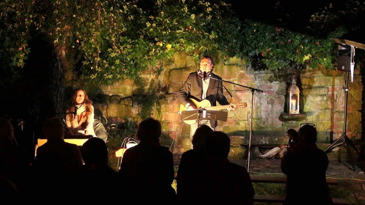 Open Air-Konzert im Hof Vivendi in Breitenbronn,